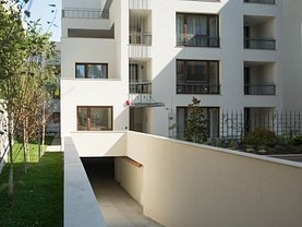 Apartament de vânzare 3 camere, în Bucuresti, zona Romana