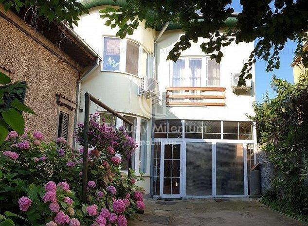 Vila/Casa Agricultori -Muncii + Curte Mare - imaginea 1