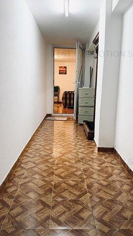 Apartament 2 camere vanzare Piața Unirii 40 mp demisol - imaginea 1