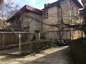 Casa de vânzare 33 camere, în Bucureşti, zona P-ţa Victoriei