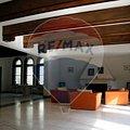 Casa de închiriat 12 camere, în Bucuresti, zona P-ta Romana