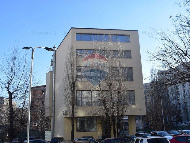 Cladire de birouri in zona Unirii / De Vanzare sau Inchiriere 500 mp - imaginea 1