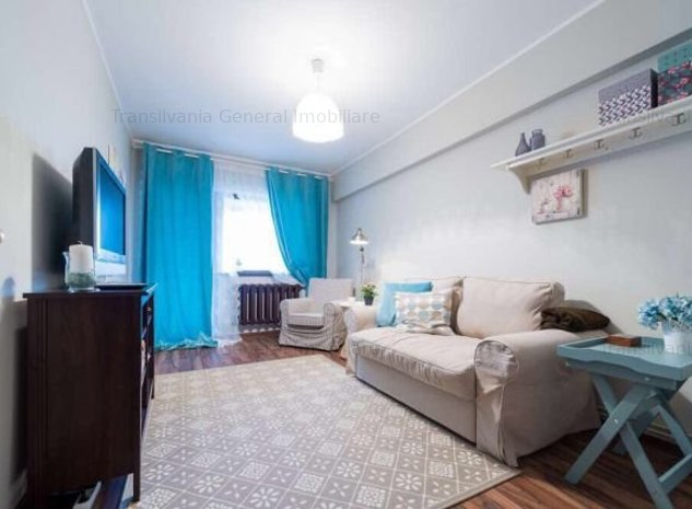Apartament 2 camere Cetate M-uri - imaginea 1