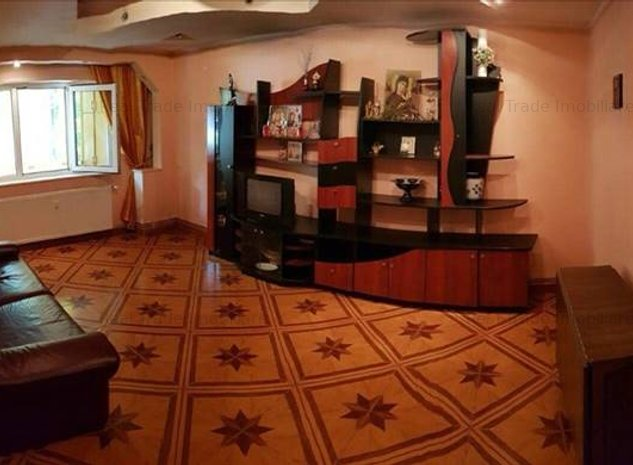 Apartament 3 camere decomandat 2 bai Judetean, Brasov - imaginea 1