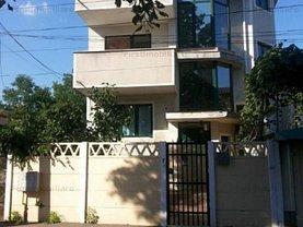Casa de închiriat 7 camere, în Bucureşti, zona Berceni
