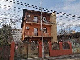 Casa de închiriat 9 camere, în Bucureşti, zona Mihai Bravu