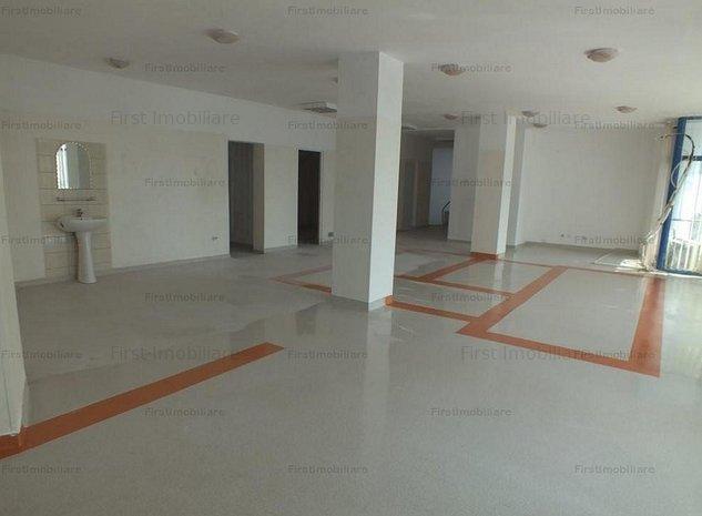 Spatiu Comercial situat pe Bl. Dinicu Golescu, etaj 200 mp, parter 65 mp - imaginea 1