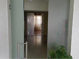 Apartament de vânzare sau de închiriat 4 camere, în Bucureşti, zona P-ţa Muncii