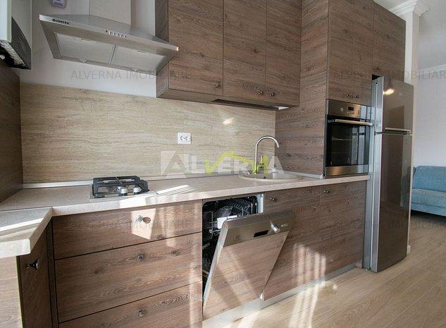 DISPONIBIL! Apartament 3 camere, lux, la cheie, AC, parcare, zona VIVO - imaginea 1