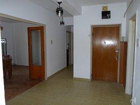 Apartament de vânzare 4 camere, în Ploiesti, zona Central