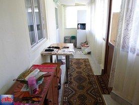 Casa de vânzare 2 camere, în Ploieşti, zona Republicii