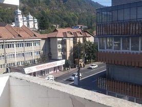 Apartament de vânzare 3 camere în Piatra-Neamt, Maratei