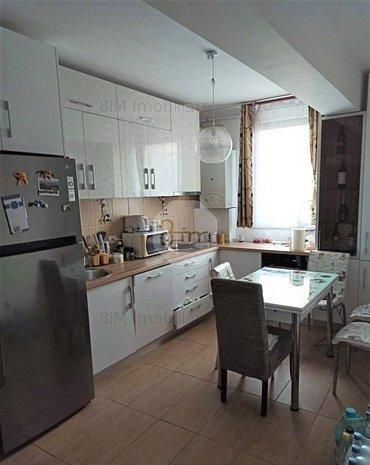 Vanzare Apartament Decomandat, 2 Camere, 55 mp, Zona Romul Ladea ! - imaginea 1