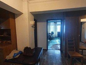 Apartament de vânzare 3 camere, în Bucureşti, zona Decebal