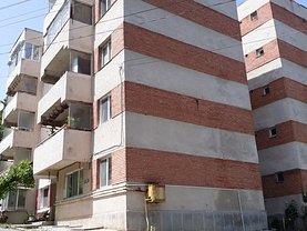 Apartament de vânzare 3 camere, în Baile Govora, zona Central