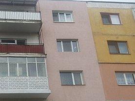 Apartament de vânzare 3 camere, în Sfantu Gheorghe, zona Central
