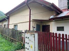 Apartament de vânzare 3 camere în Sinaia