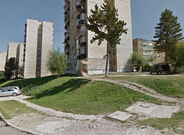 Apartament 2 camere, decomandat, Vulcan str Traian - imaginea 1
