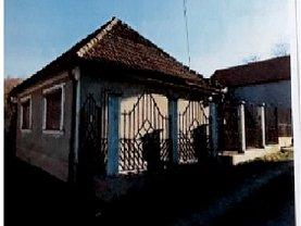 Casa de vânzare 3 camere, în Oradea, zona Sud