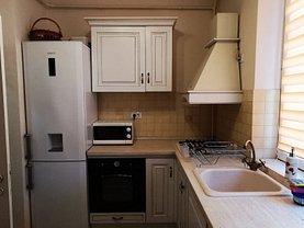 Apartament de vânzare 2 camere, în Iaşi, zona Piaţa Unirii