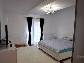 Apartament de vânzare 4 camere, în Rediu