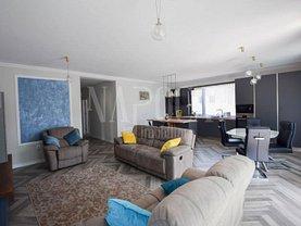 Apartament de vânzare 4 camere, în Cluj-Napoca, zona Andrei Mureşanu