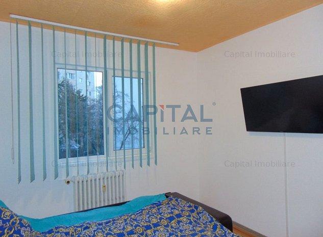 Vanzare apartament 3 camere semidecomandat, zona Big, Manastur - imaginea 1