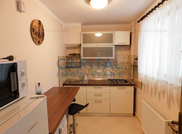 Vanzare apartament cu 2 camere decomandat, Ultracentral - imaginea 1