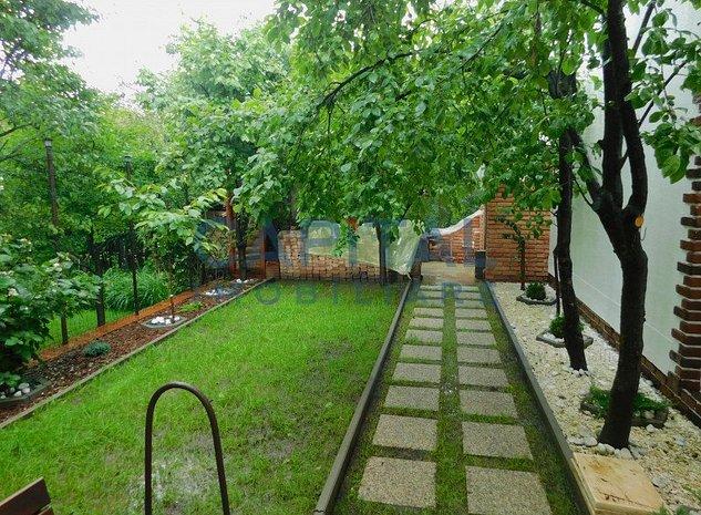Casa cocheta cu gradina de vis, la pret de apartament - imaginea 1