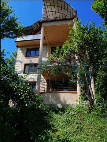 Casa cu gradina pentru birouri in zona exlusivista - imaginea 1