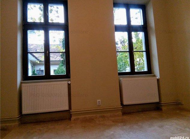 Apartament 2 camere, zona ultracentrala (UBB) - imaginea 1