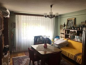 Apartament de vânzare 4 camere, în Brasov, zona Aurel Vlaicu