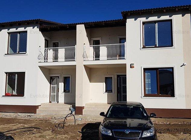 Giroc - 1/2duplex - 5 camere - 4 bai - teren - 800euro - imaginea 1