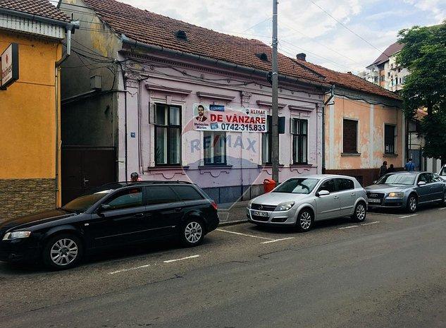 Casa cu 5 camere, si teren de 813mp  in zona Ultracentrala - imaginea 1