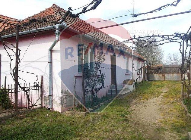 2 case cu Teren intravilan  de 3985 mp in Posoloaca - imaginea 1
