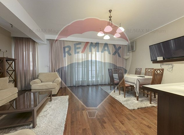 Apartament cu 2 camere de 80 mp si curte de 60 mp - imaginea 1