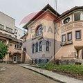 Casa de închiriat 12 camere, în Bucuresti, zona Eminescu
