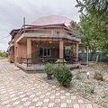 Casa de vânzare 6 camere, în Frumuşani, zona Central