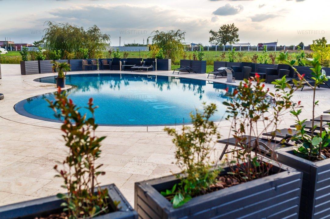 Vila ultramoderna cu piscina proprie casa vila cu 5 for Casa ultramoderna