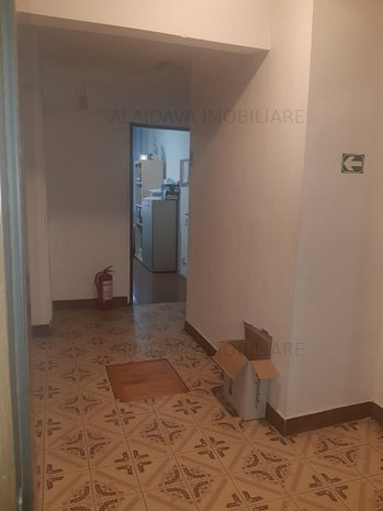 Scoala 8-apartament 3 camere,2 bai,gaze - imaginea 1