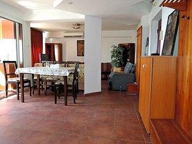 Apartament de închiriat 4 camere în Iasi, Centru Civic