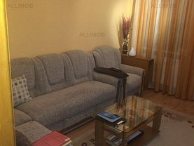 Apartament de vânzare 3 camere, în Ploieşti, zona Vest