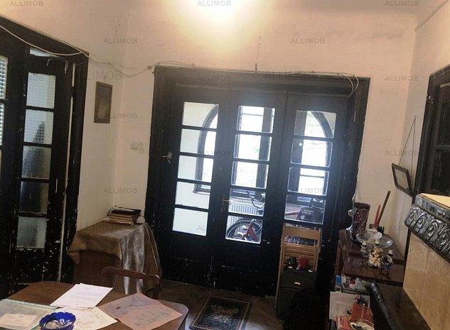 Casa cu 3 camere, zona Ultracentral, Ploiesti - imaginea 1