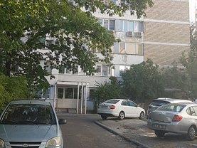 Apartament de vânzare 3 camere, în Bucuresti, zona Iancului