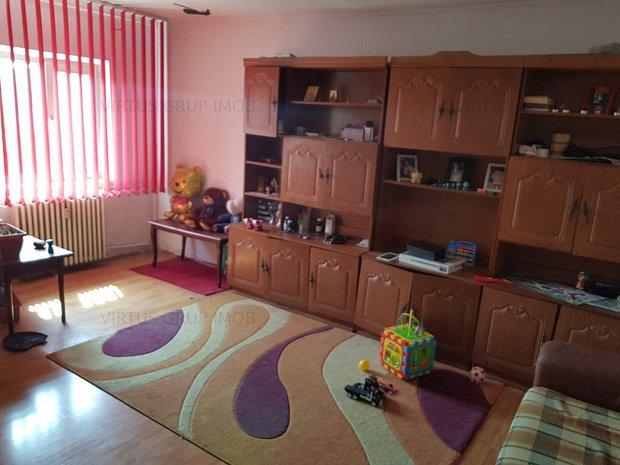 Vânzare apartament 3 camere Lujerului - imaginea 1