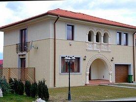 Casa de închiriat 5 camere, în Domneşti