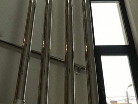 Apartament de închiriat 3 camere, în Constanţa, zona Capitol