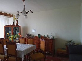 Apartament de vânzare 4 camere, în Oradea, zona Lotus