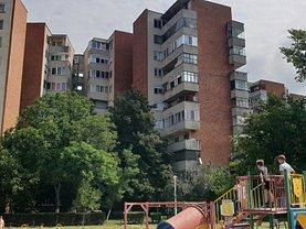 Apartament de vânzare 3 camere, în Oradea, zona Dacia