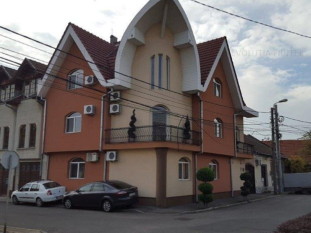 Casa/Sediu Firma de vanzare - imaginea 1